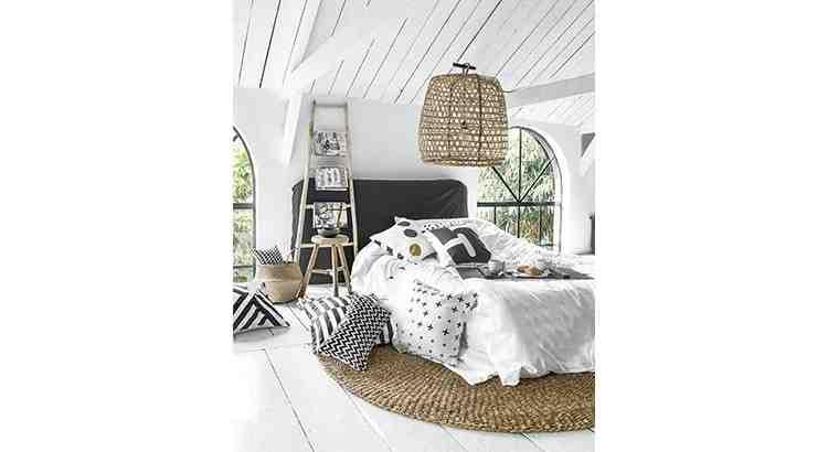Comment décorer une chambre grise et blanche ?