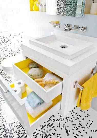 Quelle couleur pour une salle de bain petite ?
