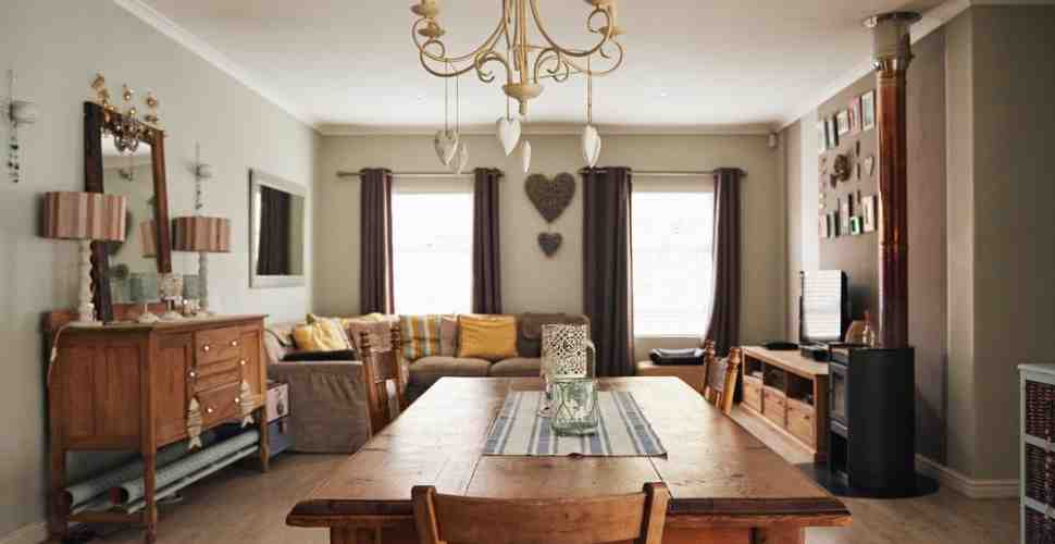 Comment réorganiser les meubles rustiques?